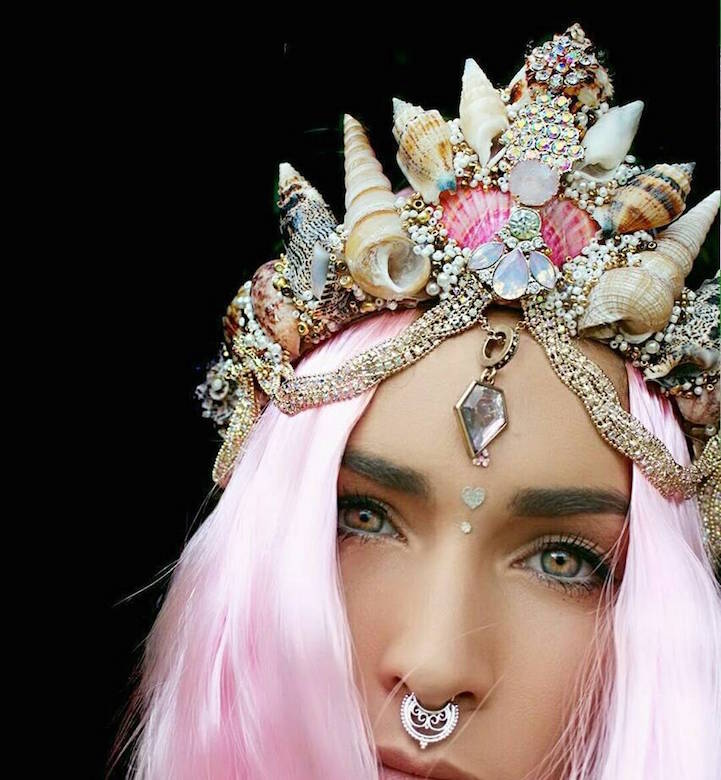 pink hair girl with seashell tiara