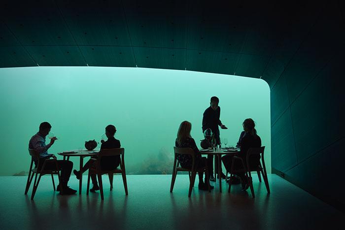 underwater restaurant people dining