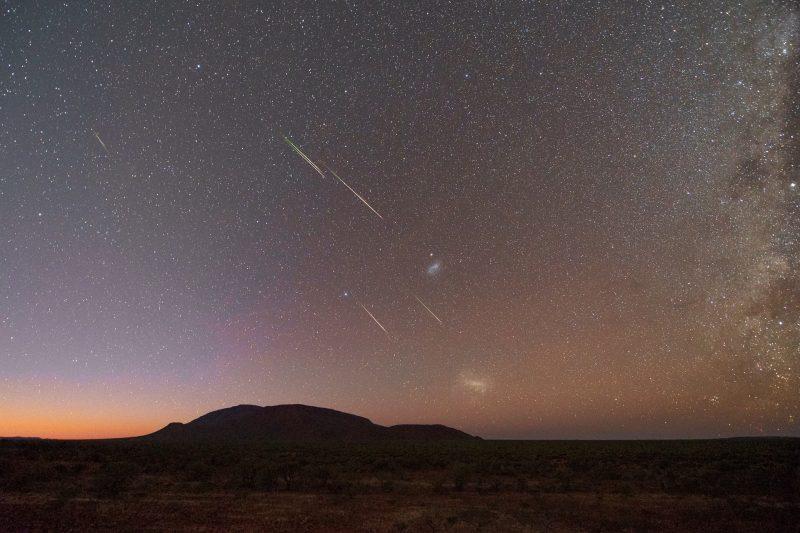 meteors-Eta-Aquarids-5-5-2019-Colin-Legg-Mt-Augustus-