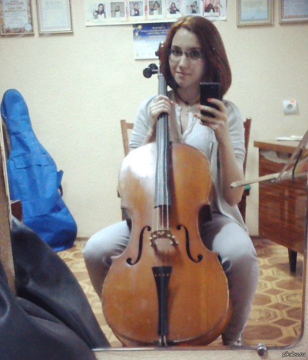 A girl with a viola
