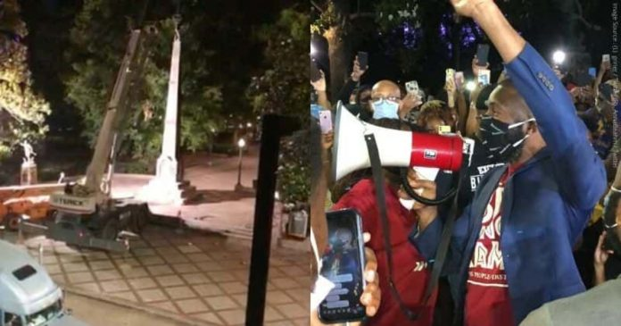 Protesters Failed To Dismantle A Confederate Statue, Mayor Took Action