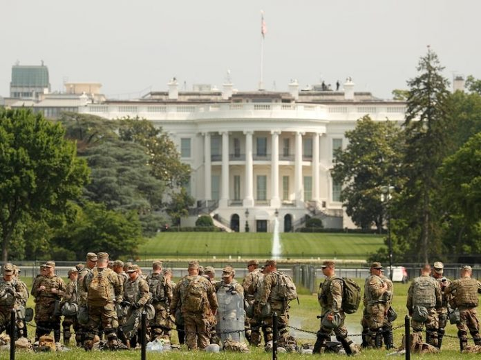 The Troops Of US Army Is Guarding The White House
