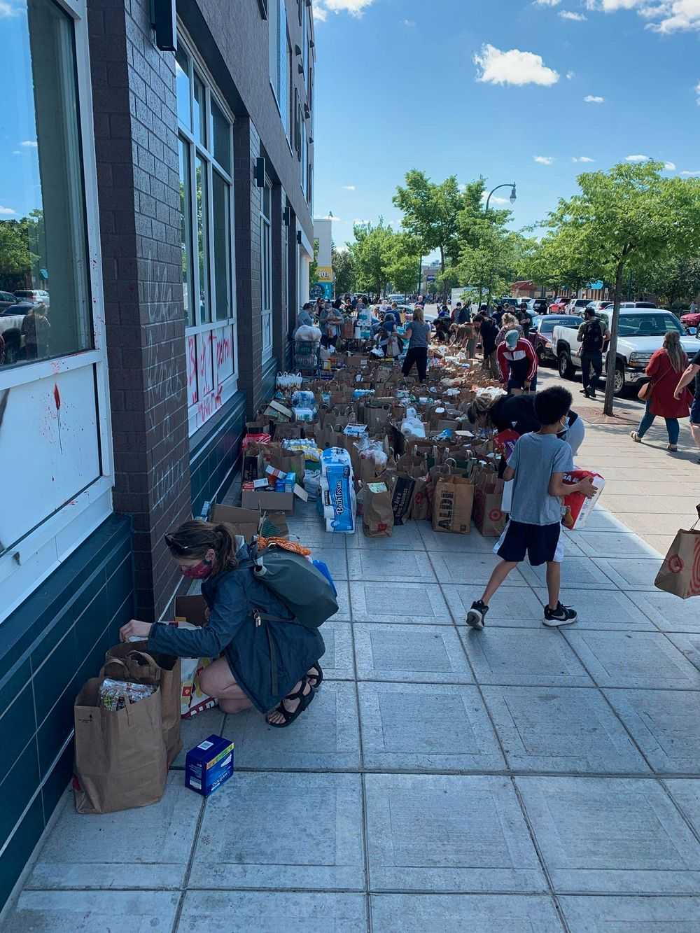 Minneapolis food donations
