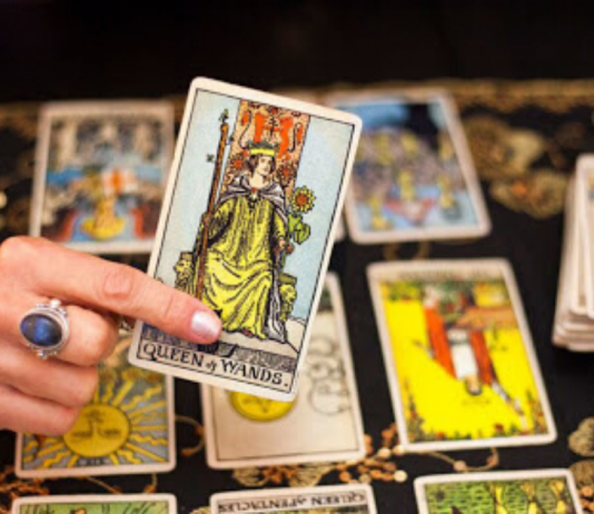 Reversed Tarot Cards: How to Read Them?