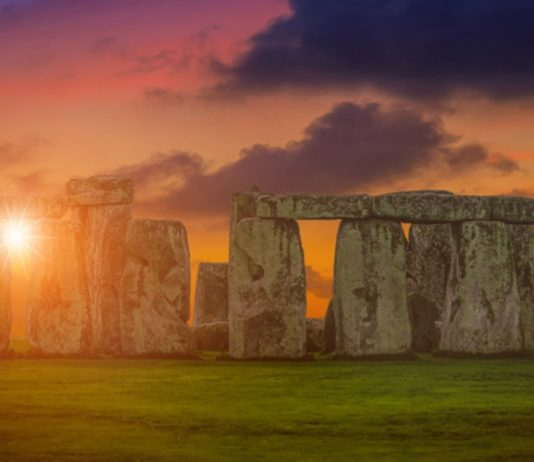 For The First Time Ever, Stonehenge Will Livestream The Summer Solstice Celebration