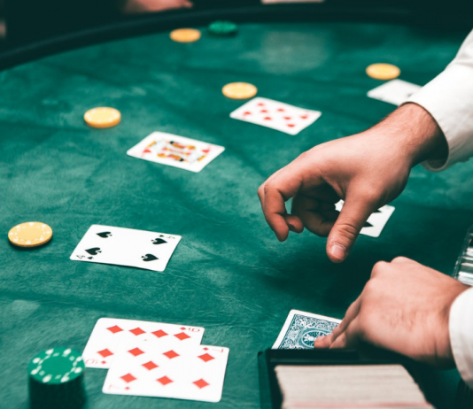 The Differences Between Basic Strategy And Advantage Gambling